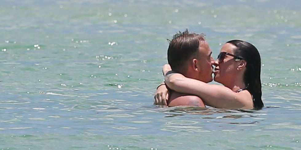 Alanis Morissette Bikini Pictures With Her Son