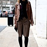 Brown and black made perfect color complements in this understated style.