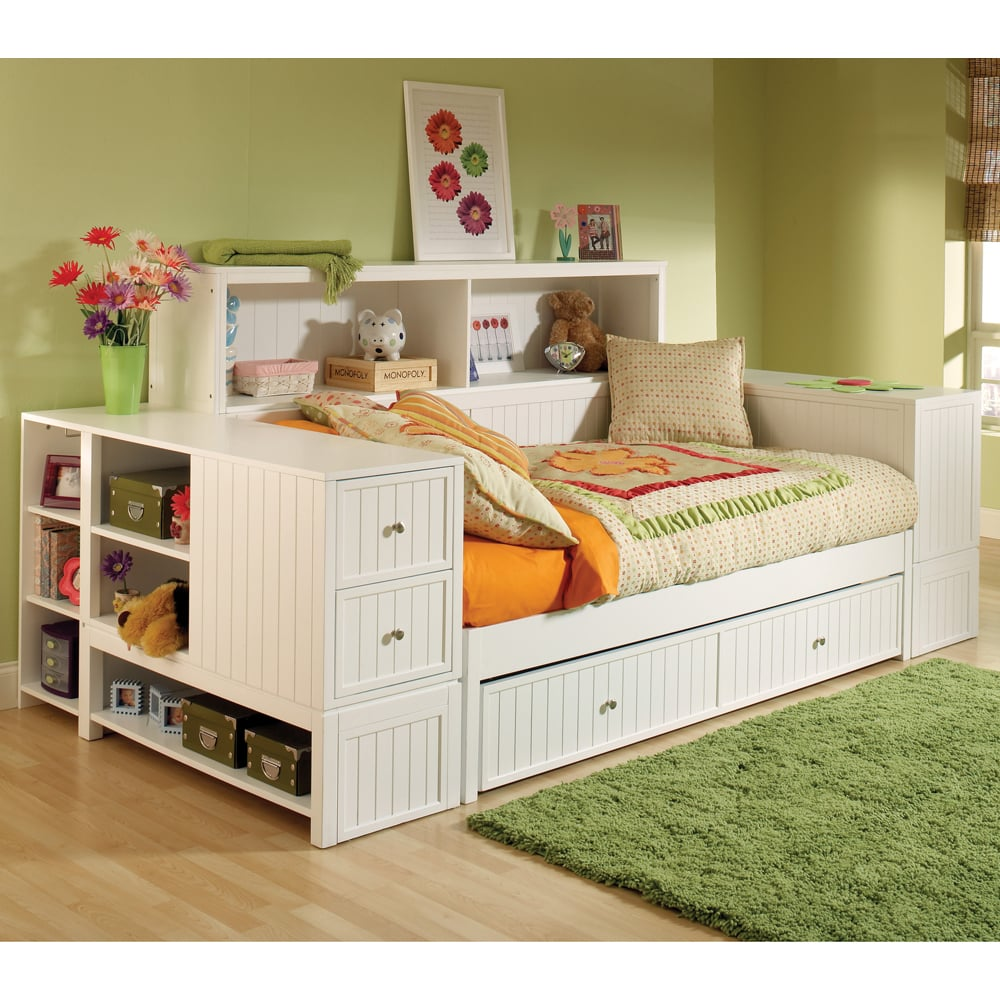 A Two-in-One Daybed