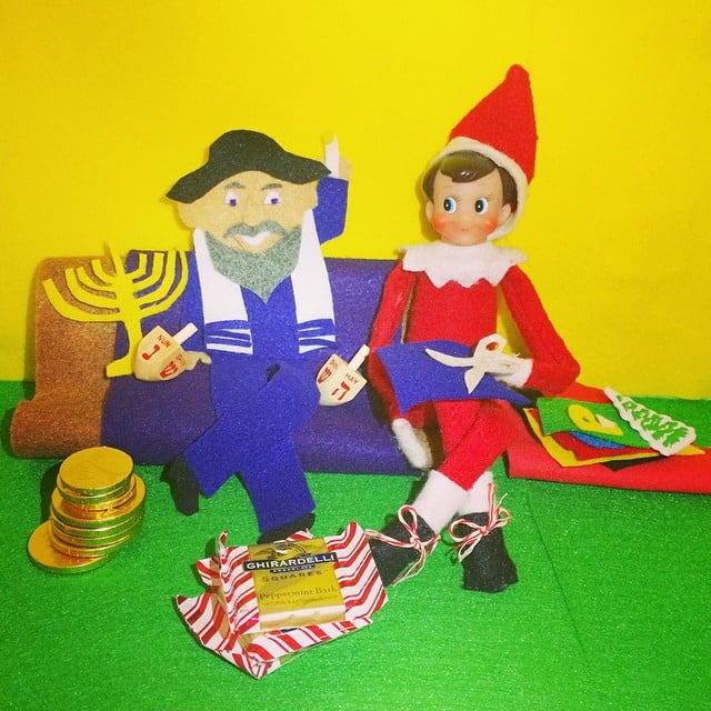 Giving Pointers To The Mensch On The Bench Fun Elf On The Shelf