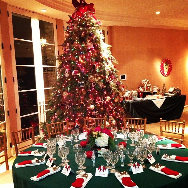 nicky hilton showed off her familys christmas dinner decorations source instagram user nickyhilton