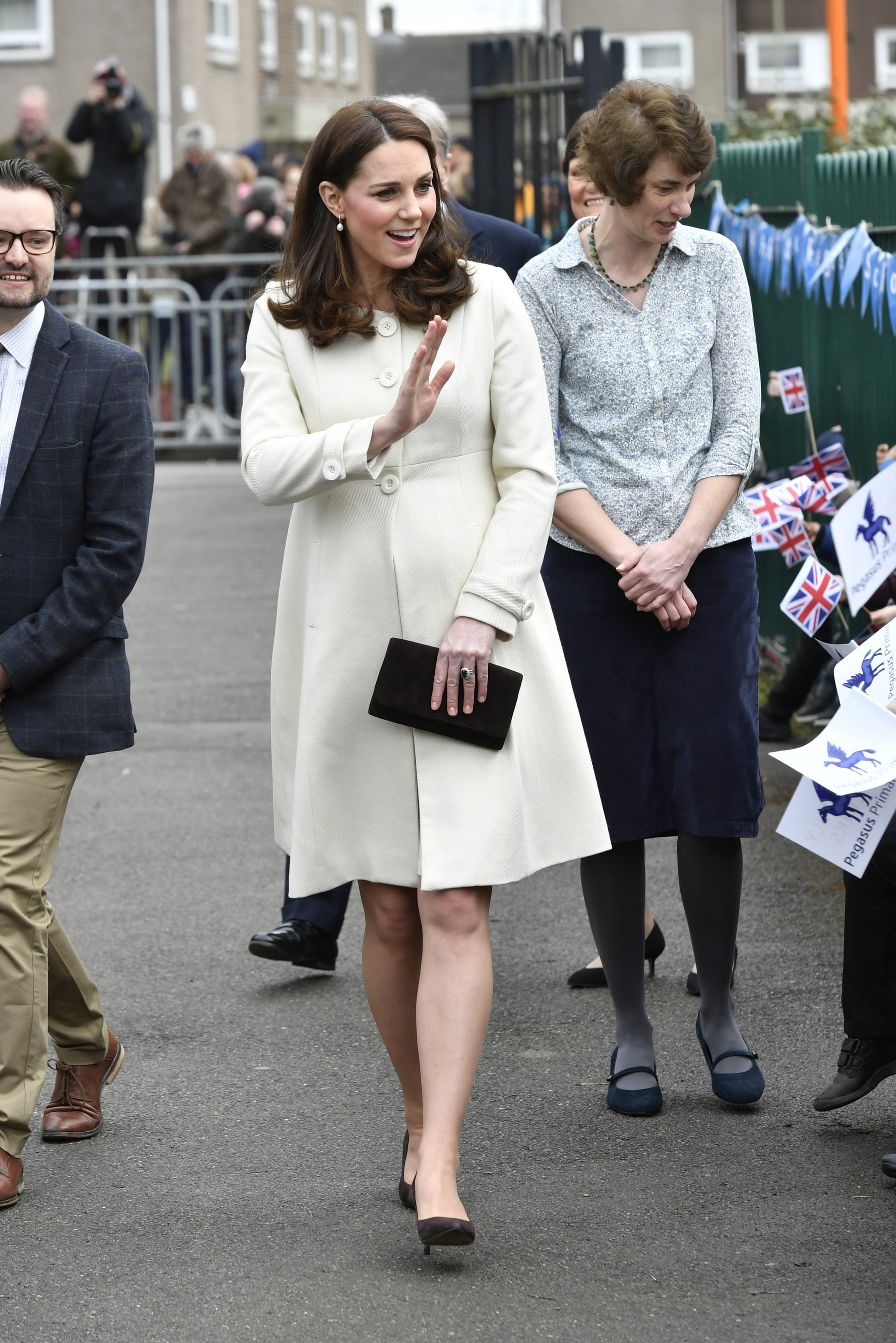 OXFORD, ENGLAND - MARCH 6:  Catherine, The Duchess of Cambridge arrives to learn about the work of the charity Family Links which works closely with schools nationwide to support both children and parents with their emotional health and wellbeing, with an emphasis on early intervention during a visit to Pegasus Primary School in Oxford on March 6, 2018 in Oxford, England.  (Photo by  Arthur Edwards  - WPA Pool/Getty Images)