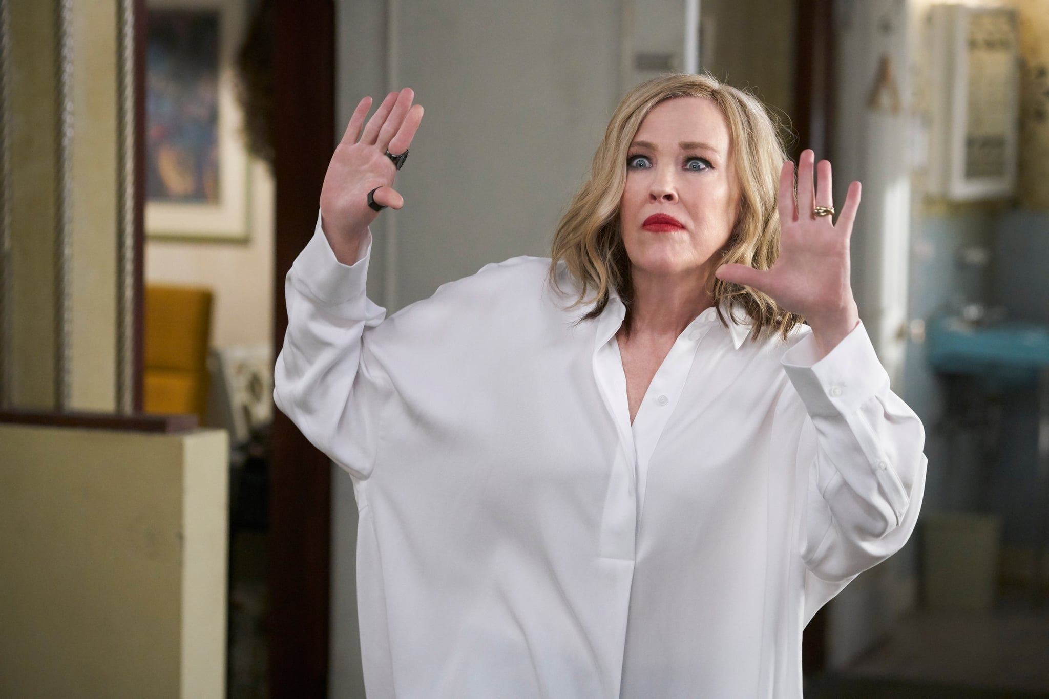 SCHITT'S CREEK, Catherine O'Hara, 'Asbestos Fest', (Season 4, ep. 403, originally premiered Jan. 23, 2018). photo: CBC / courtesy Everett Collection