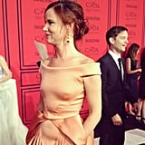 Tobey Maguire totally photobombed Juliette Lewis at the CFDA Awards.