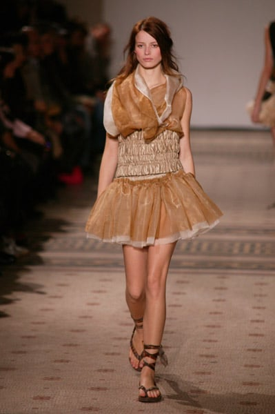 Paris Fashion Week: Moon Young Hee Spring 2009