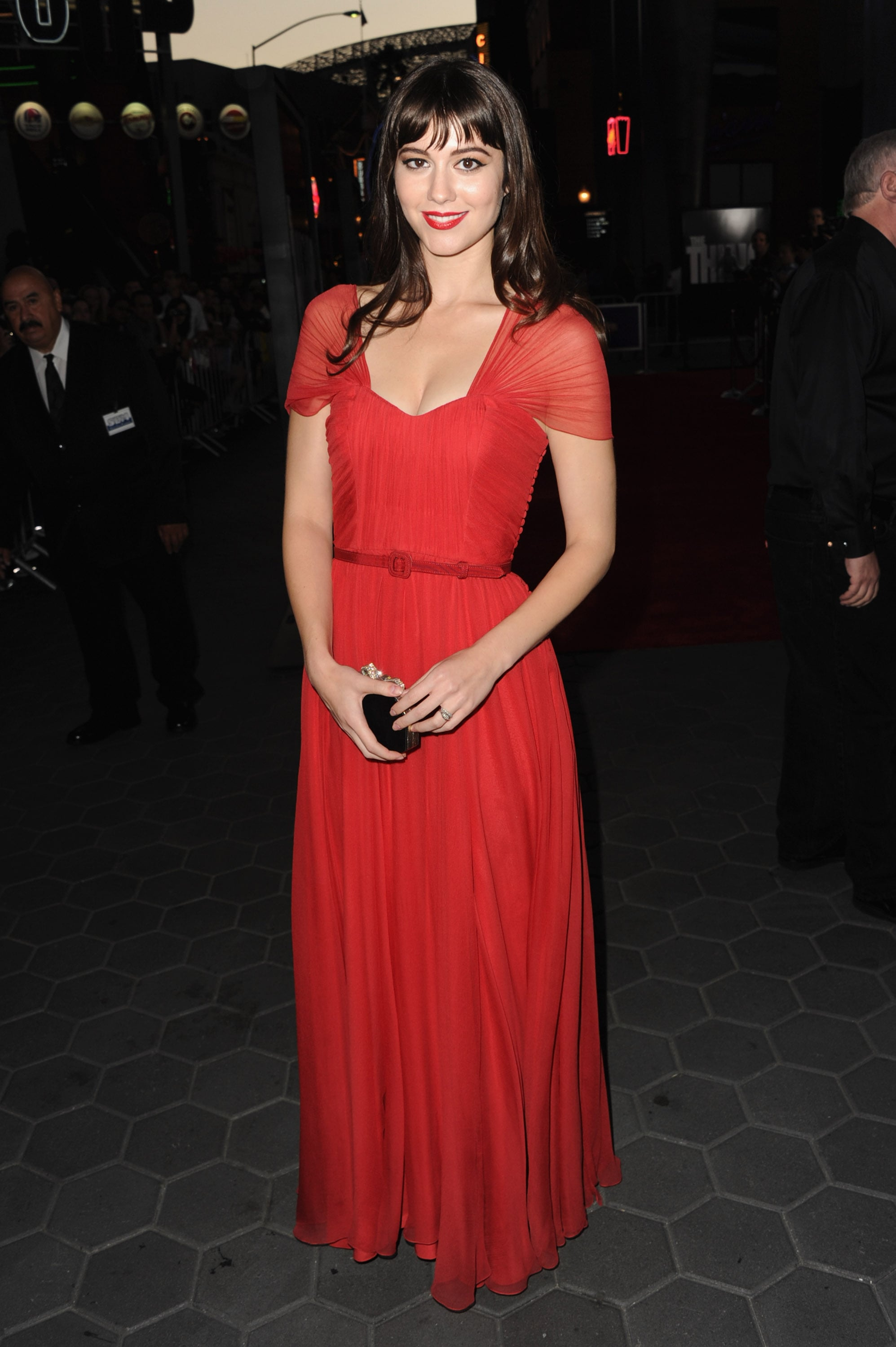 Mary Elizabeth Winstead wowed in red at the premiere of The Thing in LA.