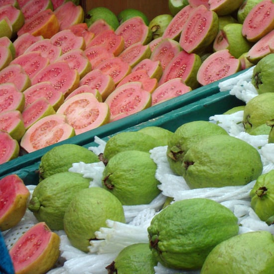 How to Choose and Cook Guavas