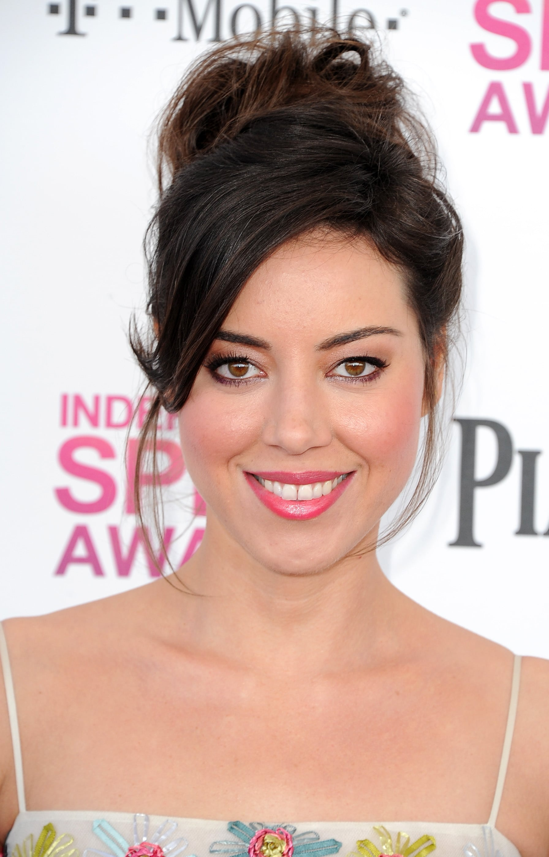 Aubrey Plaza See The Best Hair And Makeup From The Independent Spirit Awards Popsugar Beauty Photo 12
