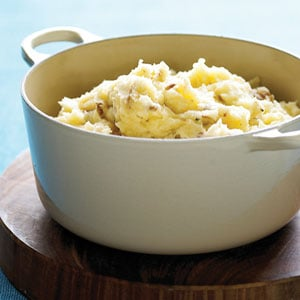 What Do You Mix  Into Mashed Potatoes?