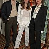 بروكلين بيكهام، وهانا كروس، وفيكتوريا بيكهام في عرض أزياء فيكتوريا بيكهام وحفل يوتيوب