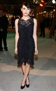 Emma Roberts Attends Premiere of The Curious Case of Benjamin Button in Chanel Lace