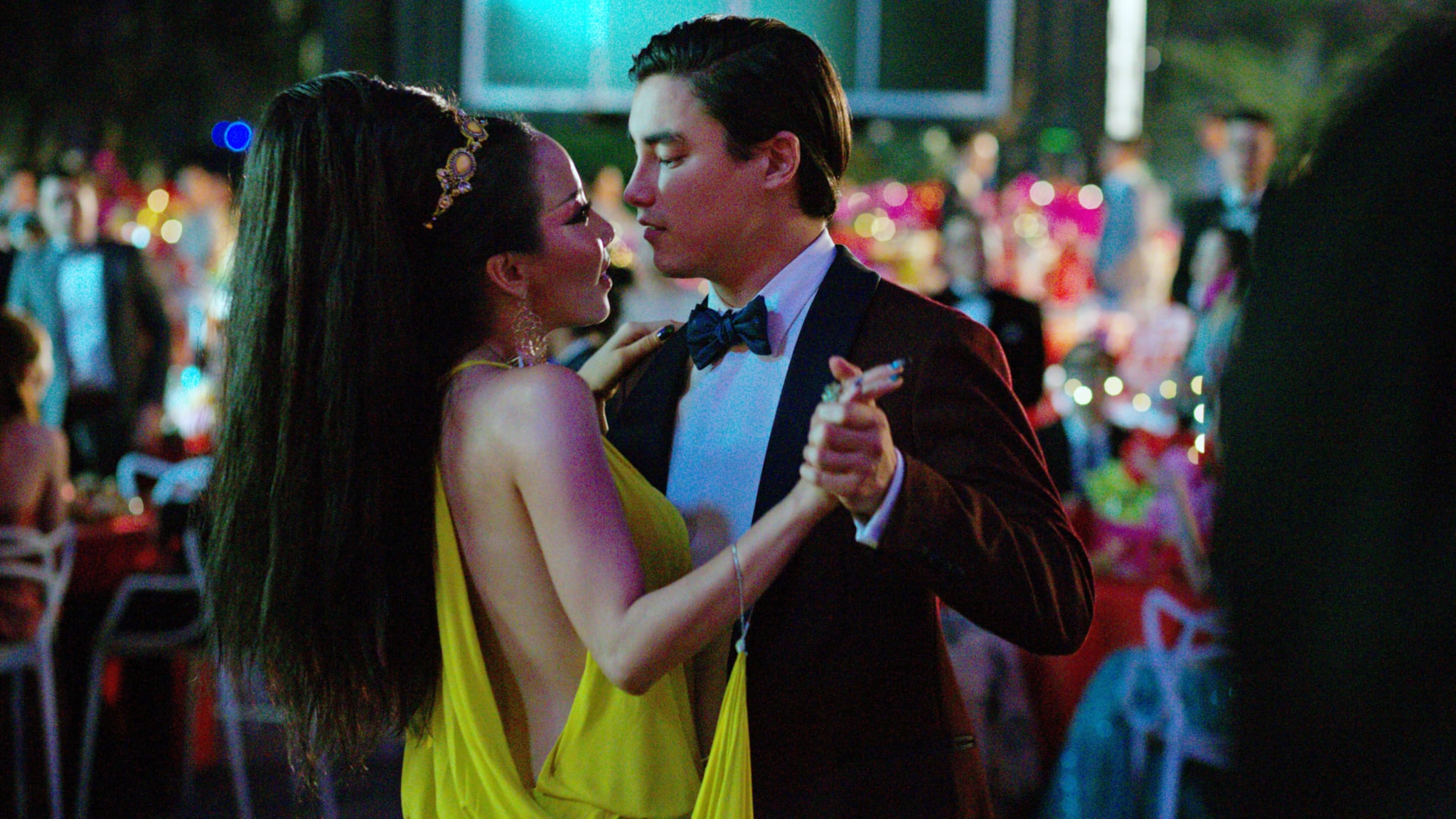 CRAZY RICH ASIANS, from left: Fiona Xie, Remy Hii, 2018. / Warner Bros. Pictures /Courtesy Everett Collection