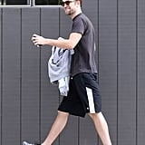 Robert Pattinson was all smiles during a workout session in LA, showing off his new goatee while meeting with a personal trainer.