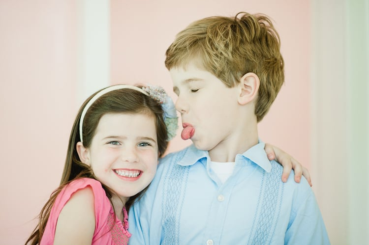 11 Tips For Photographing Siblings