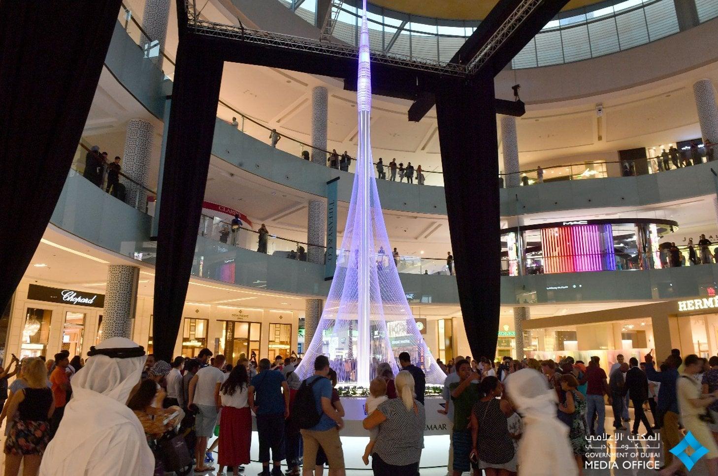 مجسم برج خور دبي Popsugar Middle East Smart Living