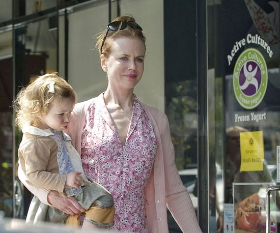 Slide Picture of Nicole Kidman and Sunday Rose Getting Frozen Yogurt