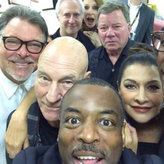 Star Trek Cast Selfie