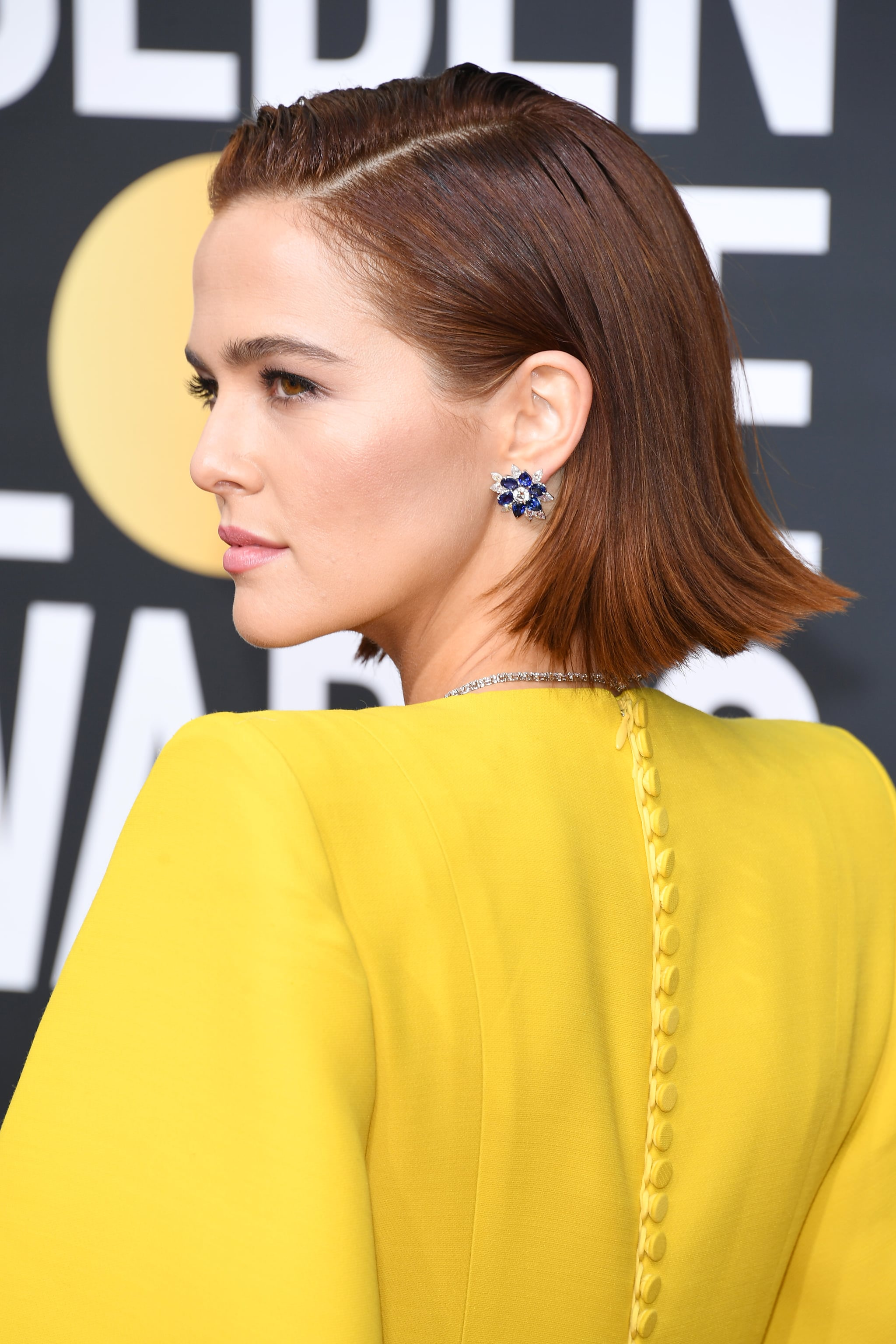 Zoey Deutch S Flipped Out Bob At The 2020 Golden Globes Is