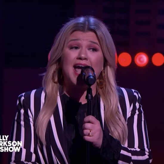 "Watch Kelly Clarkson Cover Alessia Cara's ""Here"""