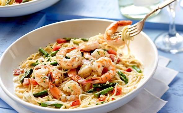 Healthiest menu items at olive garden popsugar fitness - Calories in olive garden breadstick ...