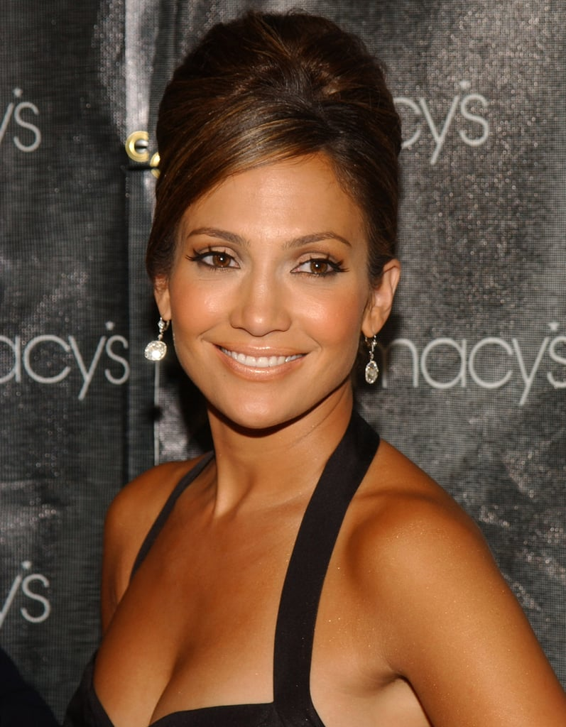 Jennifer donned a retro-inspired beehive style at a 2005 Macy's event.