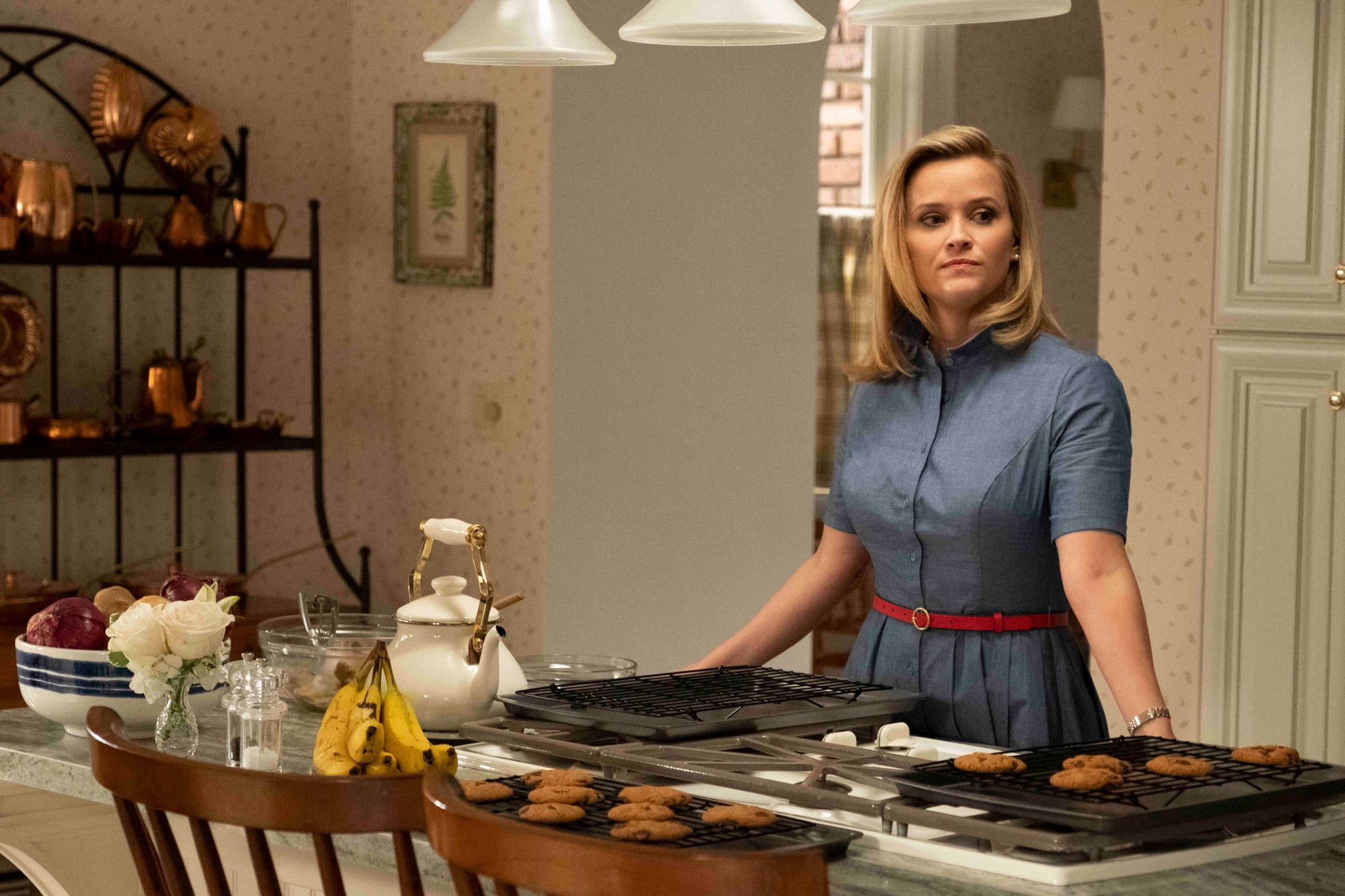 LITTLE FIRES EVERYWHERE, Reese Witherspoon, The Spark, (Season 1, ep. 101, aired Mar. 18, 2020). photo: Erin Simkin / Hulu / Courtesy Everett Collection