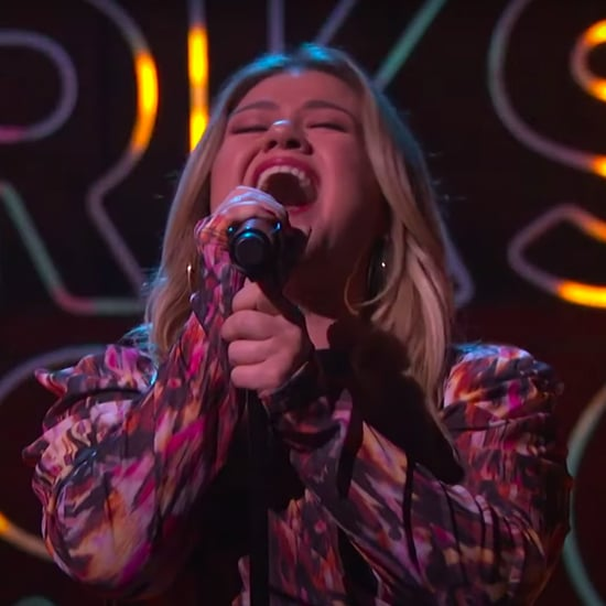 "Kelly Clarkson Covers Ariana Grande's ""No Tears Left to Cry"""