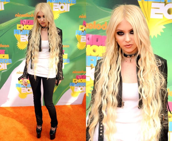Taylor Momsen at the Kids' Choice Awards 2011