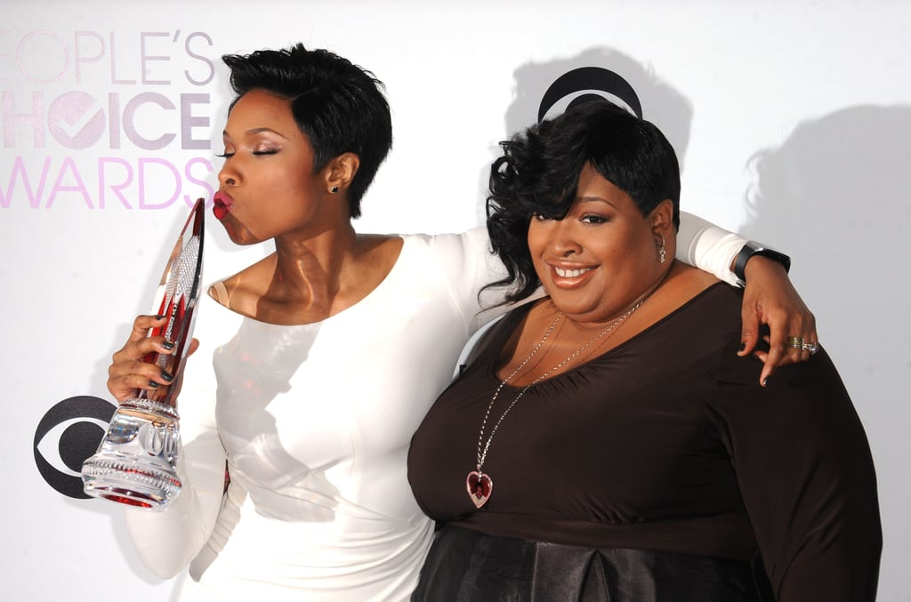 Jennifer Hudson kissed her statue and held onto her sister after she was honored with the favorite humanitarian award and gave an emotional acceptance speech —watch it below.