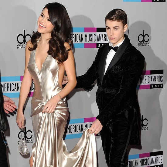 Pictures of the Red Carpet Fashion Arrivals at the 2011 American Music Awards Featuring  Heidi Klum, Taylor Swift