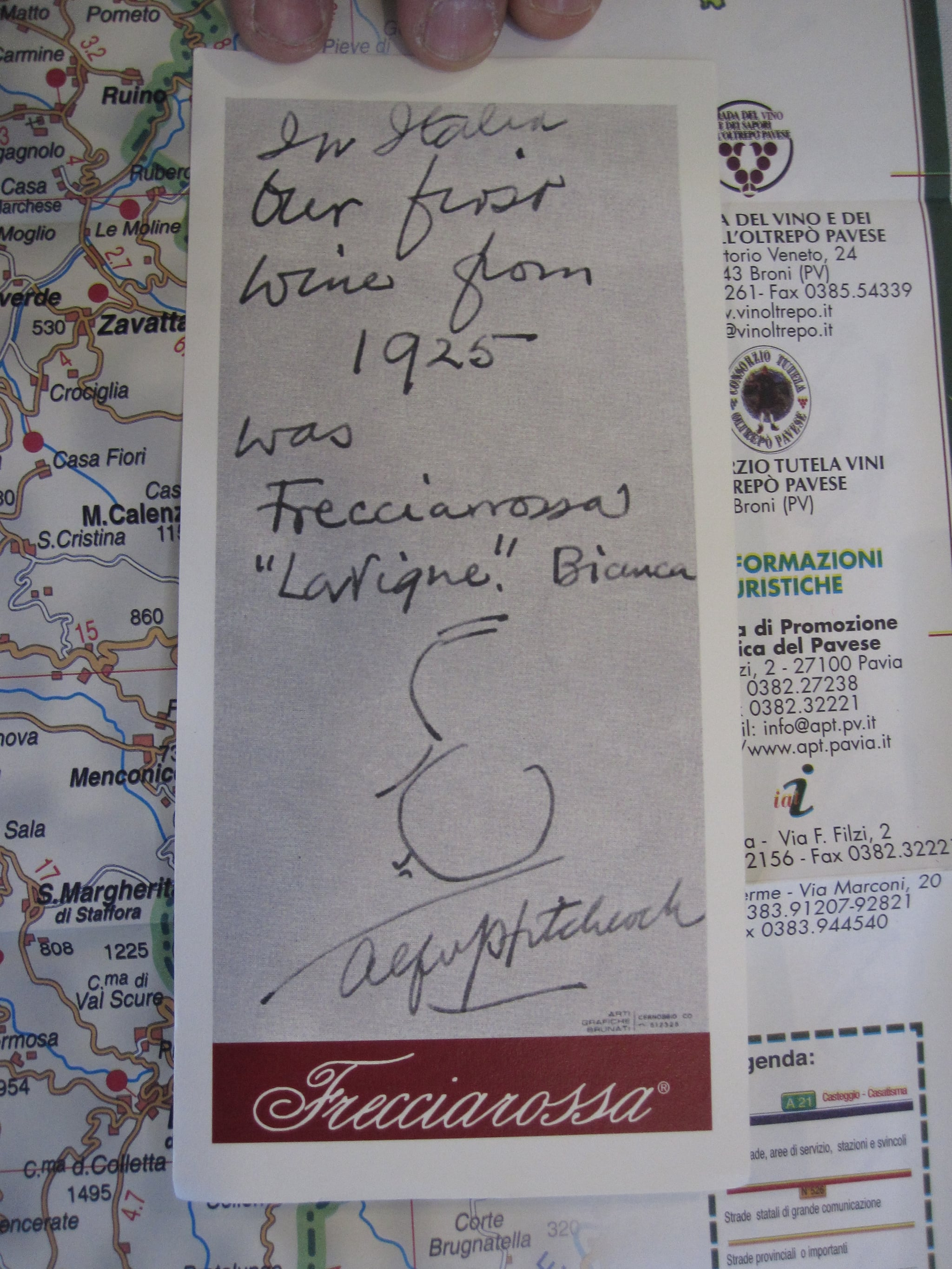 The winery Frecciarossa has been producing wines for hundreds of years. Here is a note written by Alfred Hitchcock that praises a 1925 bottling.