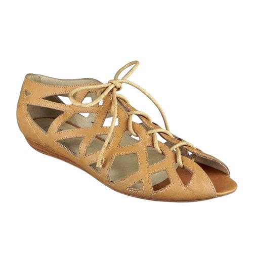 Ollie Sandal In Champagne Leather