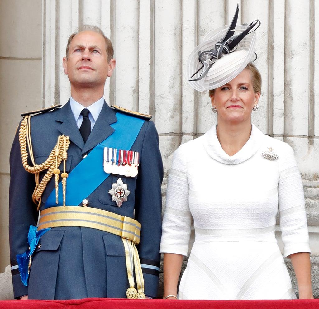 الأشخاص: الأمير إدوارد، وصوفي كونتيسة وسكس، والليدي لويز ويندسور، وجيمس الفيكونت سيفيرن