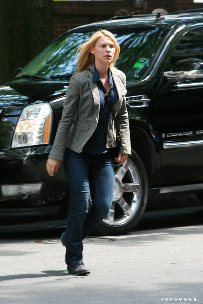 Claire Danes filmed a scene on the street for the third season of Homeland.
