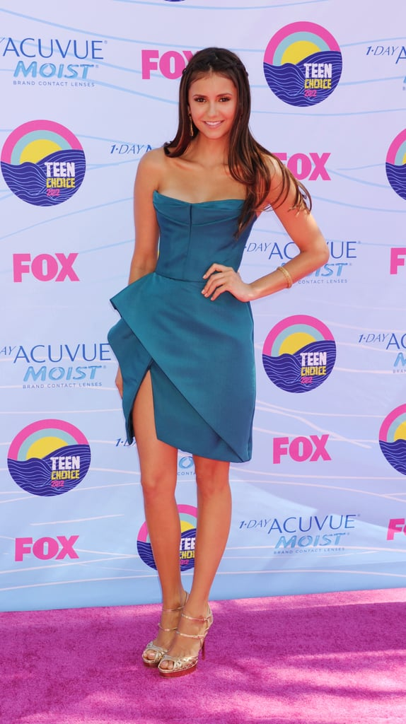 Nina opted for an architectural strapless J. Mendel dress at the Teen Choice Awards.