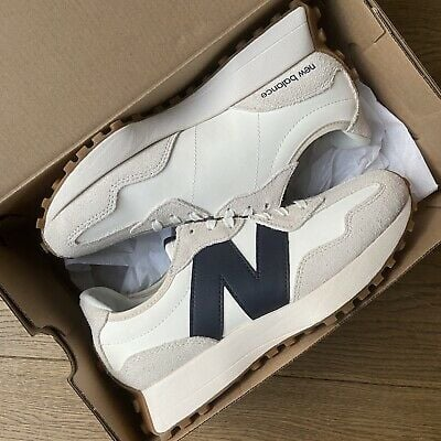 New Balance 327 Sneakers