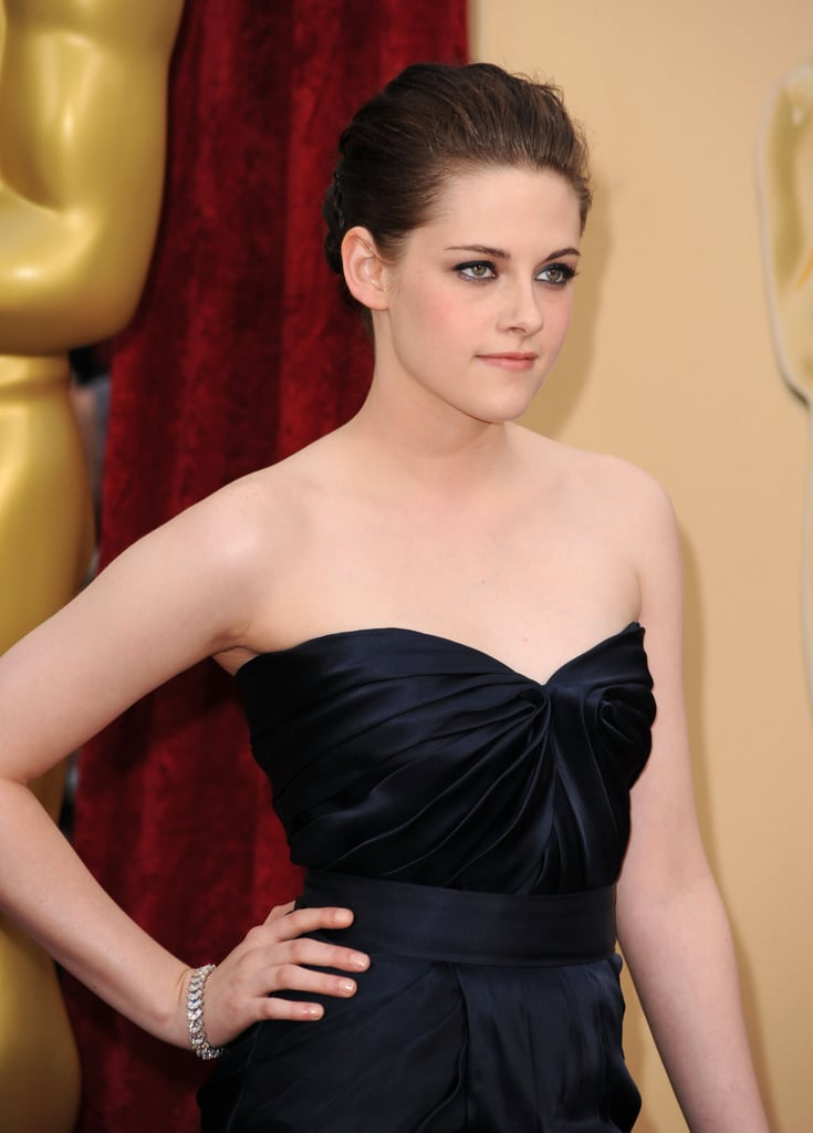 Photos of Kristen Stewart and Taylor Lautner at the 2010 Oscars 2010-03-07 17:11:57