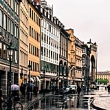 Plus, the streets surrounding the Feldherrnhalle are especially pleasing to the eye. Even with gray skies and a nonstop downpour of rain, they sparkled with beauty!