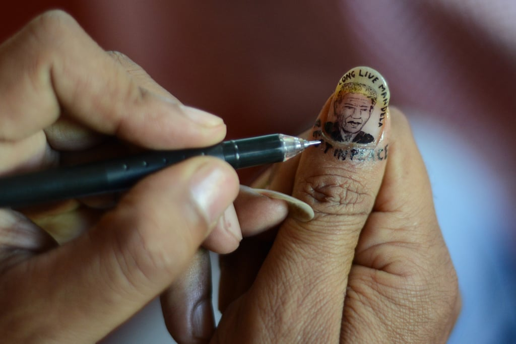 A Woman Created Nelson Mandela Nail Art In India Nelson Mandela