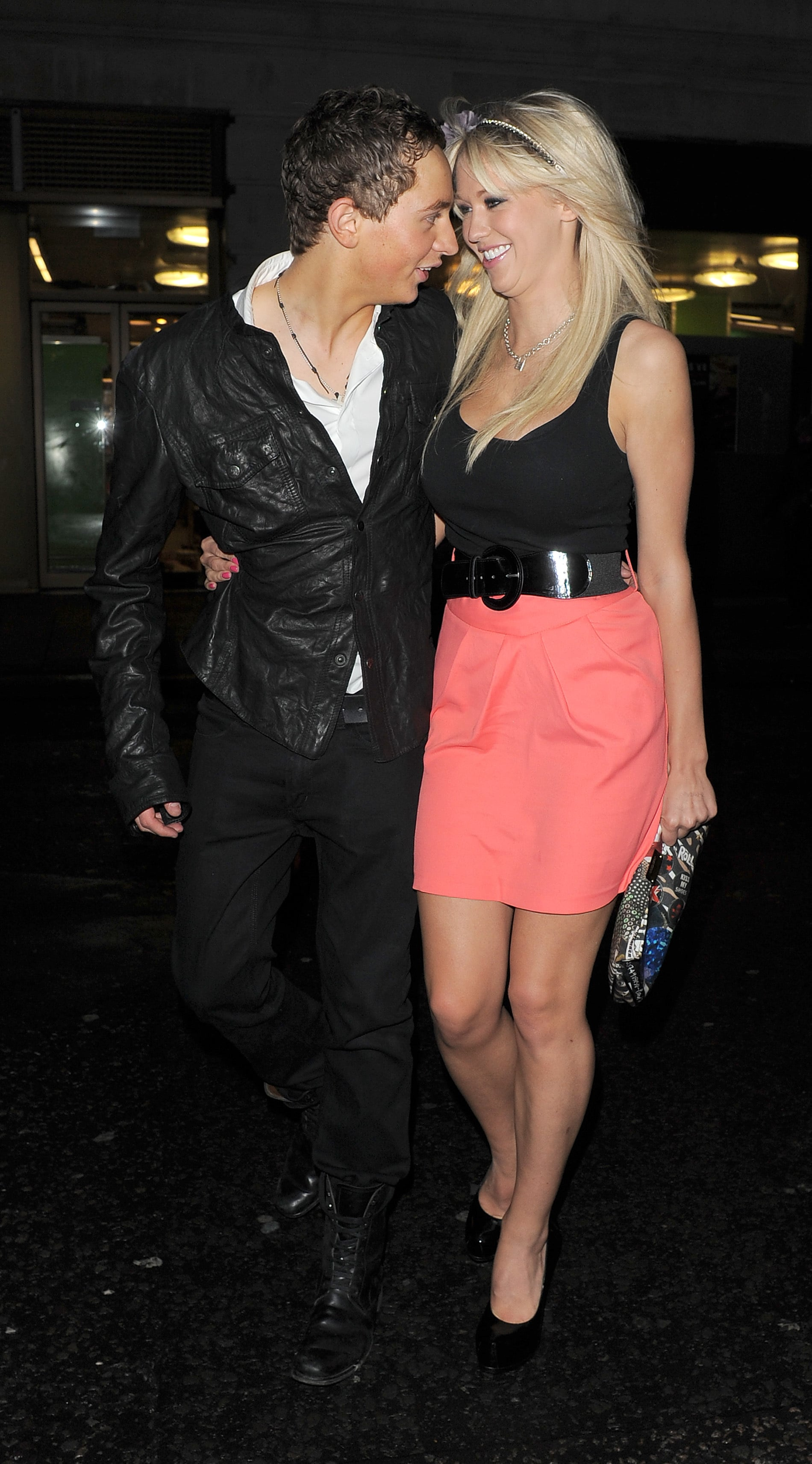 Photos Of Big Brother 10 Sophie Reade Holding Hands With