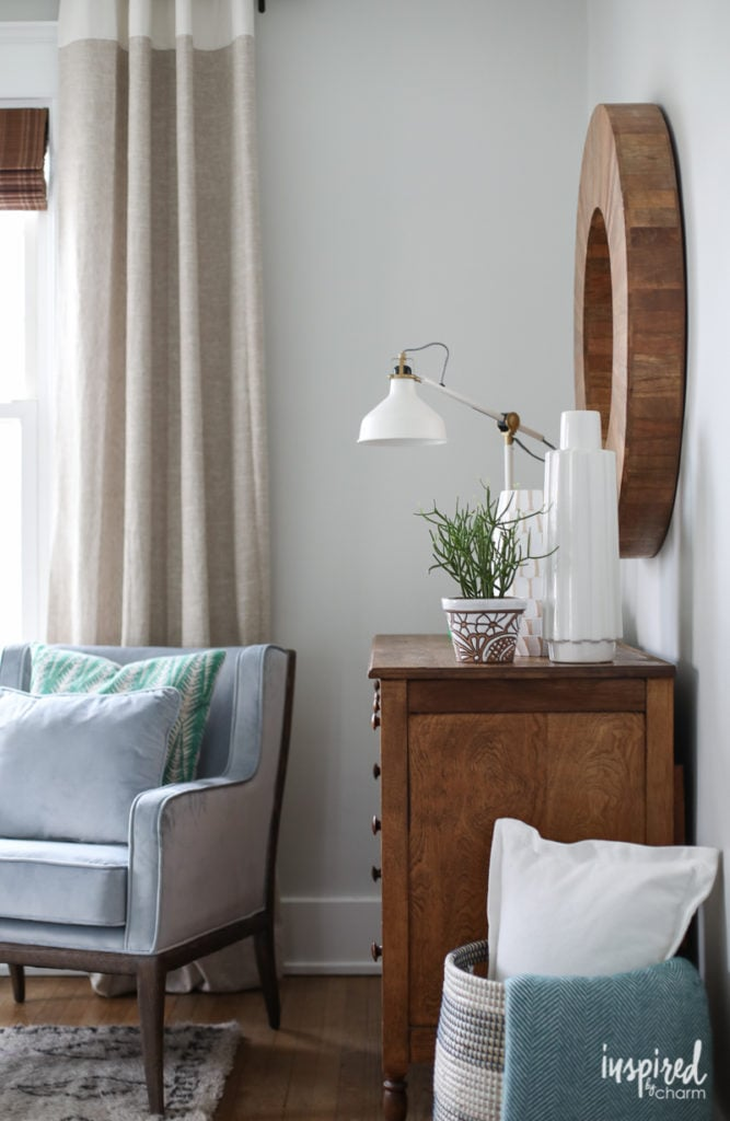Boutique Hotel Bedrooms: Keep The Decor Simple And Consistent