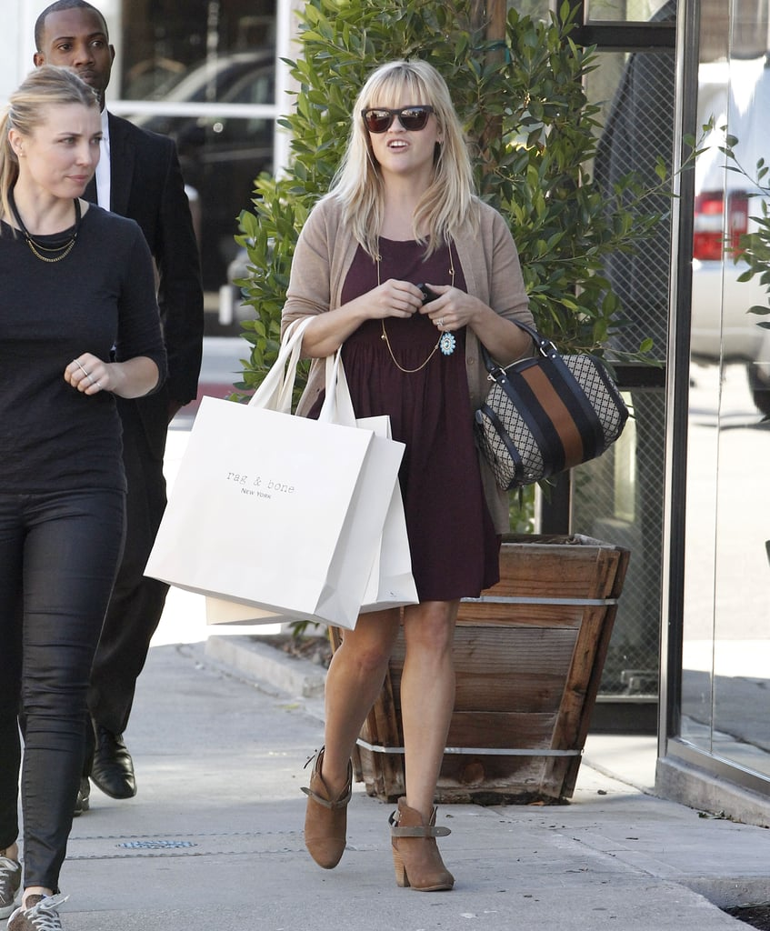 Reese Witherspoon chatted with a shopping buddy.