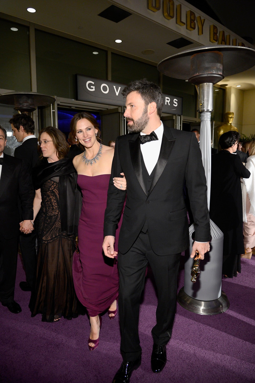 Jennifer Garner held onto husband Ben Affleck's arm on the way to the Governors Ball.