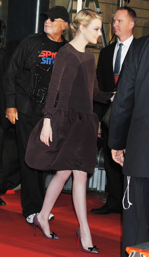 Emma Stone left the stage at The Amazing Spider-Man premiere in Japan.
