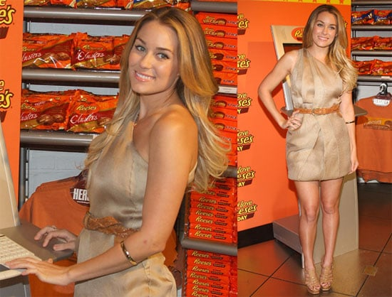 Pictures of Lauren Conrad At a Reeses Pieces Event in Times Square NYC 2010-04-19 20:30:23