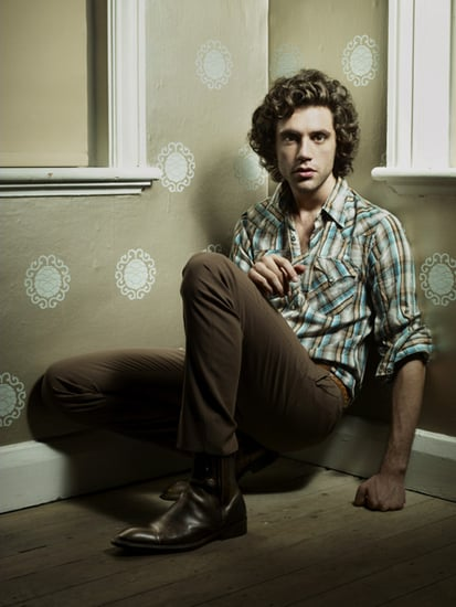 "Music Video: Mika, ""Grace Kelly"""