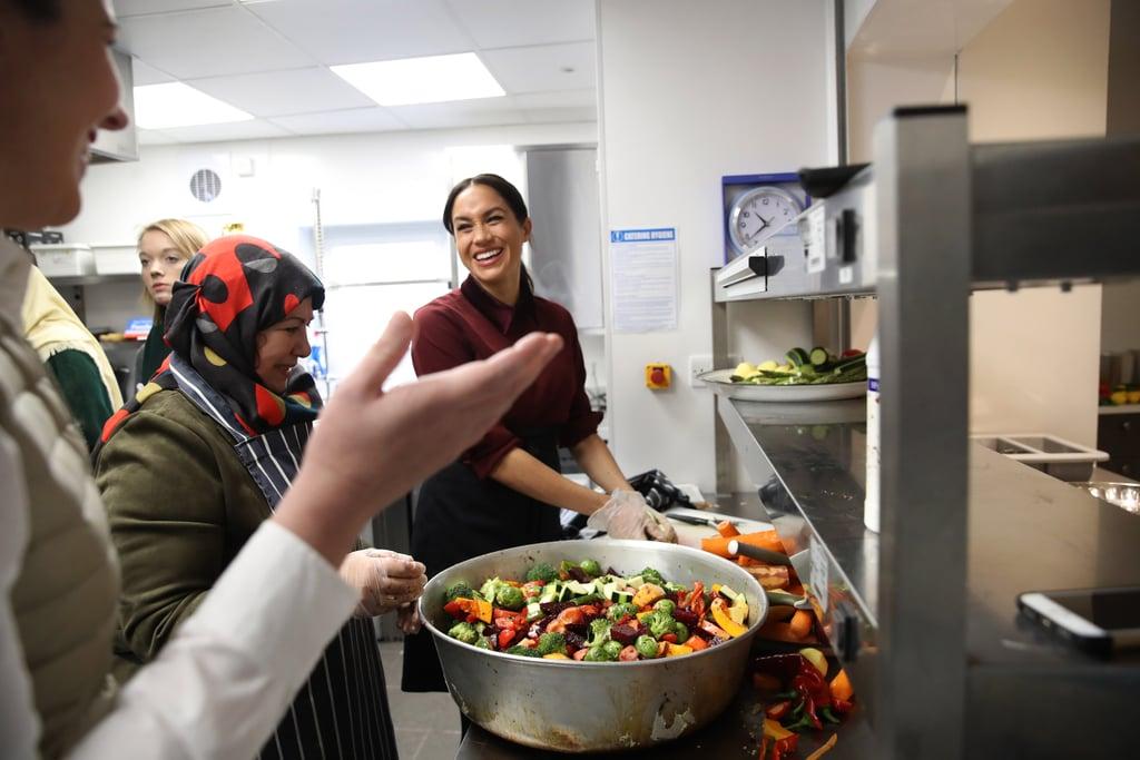 ميغان ماركل تزور مطبخ Kitchen Community Hubb في شهر نوفمبر 2