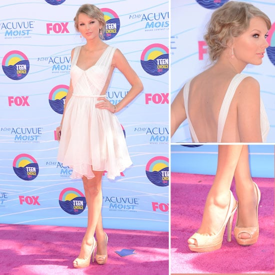 Pictures of Taylor Swift in Maria Lucia dress on the Red Carpet at the 2012 Teen Choice Awards: Like It?