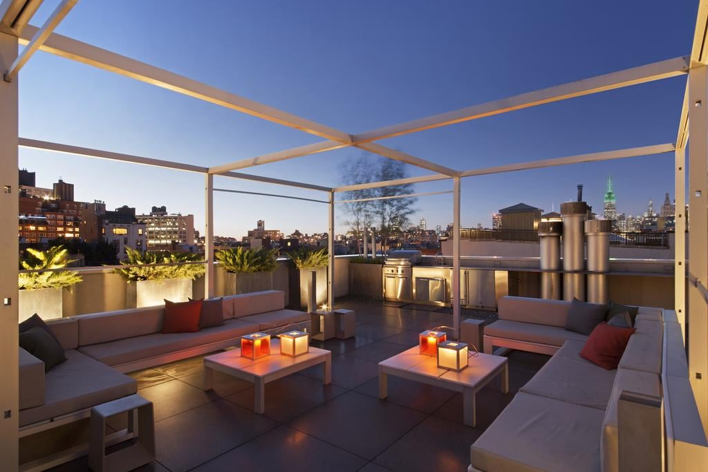 The rooftop terrace — we bet the Heidis took a few selfies up here.