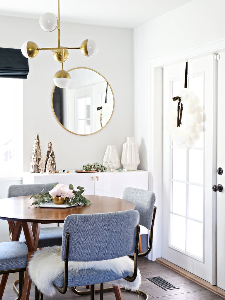 Cosy White Decor and Cotemporary Wooden Accents | 13 Modern Holiday ...